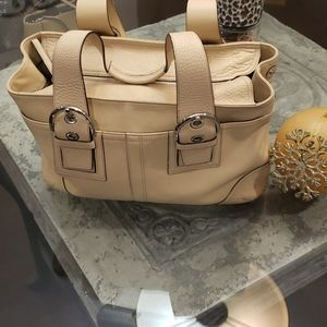 LUXORY COACH HEAVY LEATHER PURSE